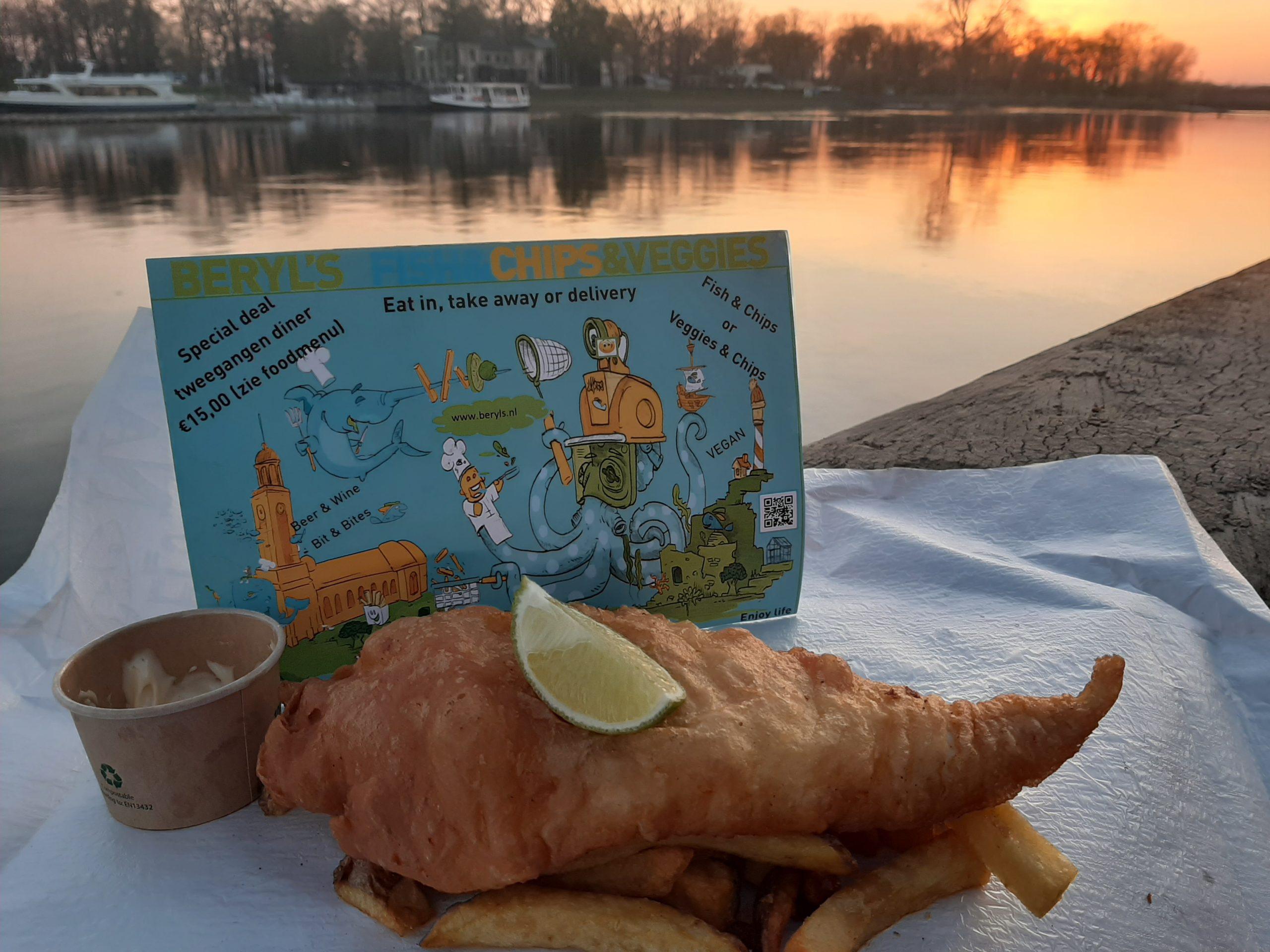 Lekker genieten bij de IJssel te Deventer van een Fish&Chips van Beryl's